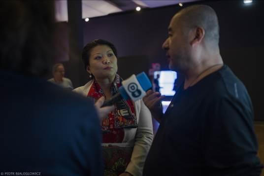 艺术家张培力,德中文化交流基金会主席张彧接受媒体采访