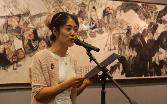北京画院美术馆策划部主任王亚楠女士主持开幕式