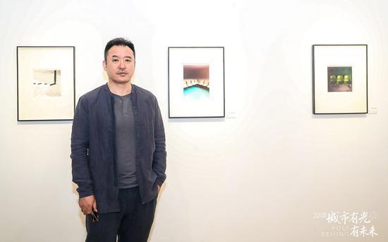 艺术家杨茂源讲解作品