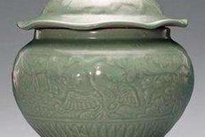 龙泉窑瓷器在元代 占中国输出瓷器的绝对主流地位