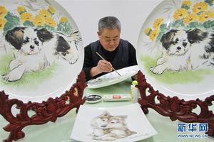 """""""萌狗""""主题瓷器生产忙"""