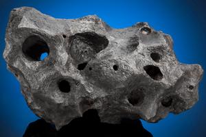 一块五万年前的陨铁以23.75万美元价格被拍卖