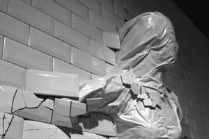 碎瓷砖也能成艺术品?打碎瓷砖也是个精细活儿
