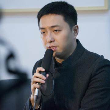 郑闻 策展人,南京艺术学院美术馆馆长助理