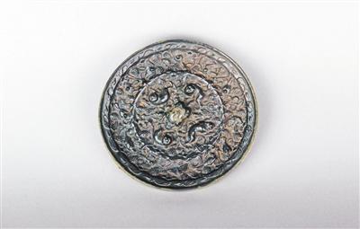 唐代海兽葡萄纹镜