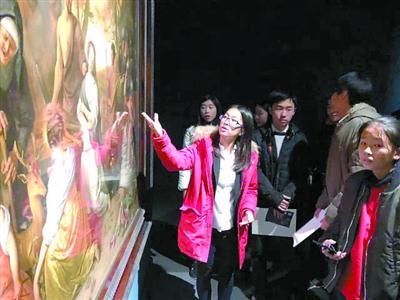 龙美术馆举办的教育活动现场