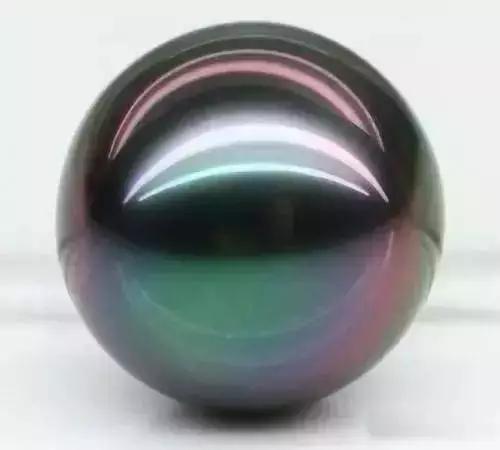 珍珠的晕彩效应