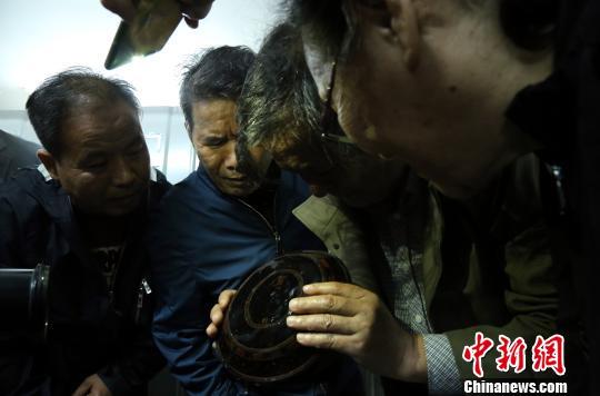 专家指导此次考古发掘过程。 江西省文物考古研究院 供图