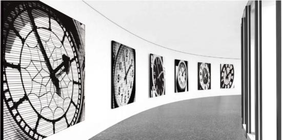 Bettina Pousttchi:World Time Clock展览现场图。图片:致谢赫希洪博物馆和雕塑园