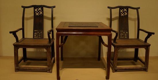 中国国家博物馆大美木艺展厅中一对黄花梨扶手椅软屉由李静修复