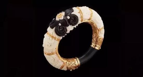 象牙果种子、木材及钻石腕式   22K黄金镶嵌