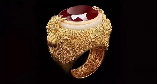 石榴石、象牙果及钻石戒指   22K黄金镶嵌