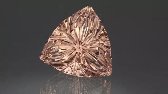 50克拉的摩根石,具有独特的切工,内部几乎没有暗区