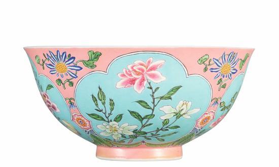 清康熙珐琅彩碗领衔苏富比 望刷中国瓷器纪录
