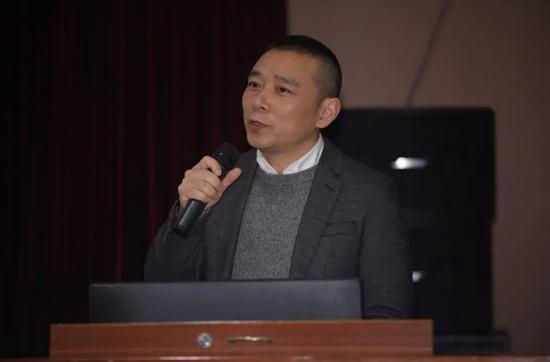 四川美术学院副院长焦兴涛作主题发言