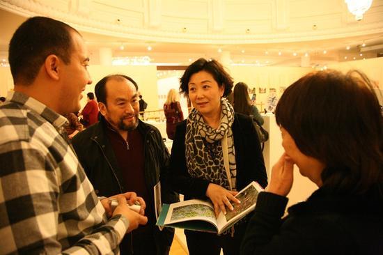 中国文化传媒集团副总经理代柳梅与乌兹别克斯坦艺术家交流