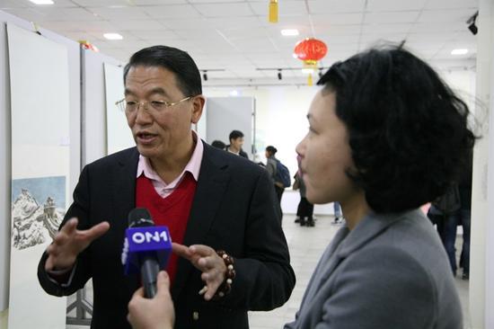 程茂全(淳一)接收吉尔吉斯斯坦当地媒体采访