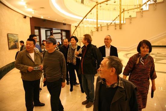 参观乌兹别克斯坦国家美术馆乌兹别克斯坦美术家作品展