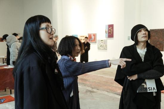 左起陈筱渔、覃琨瑛、孙初