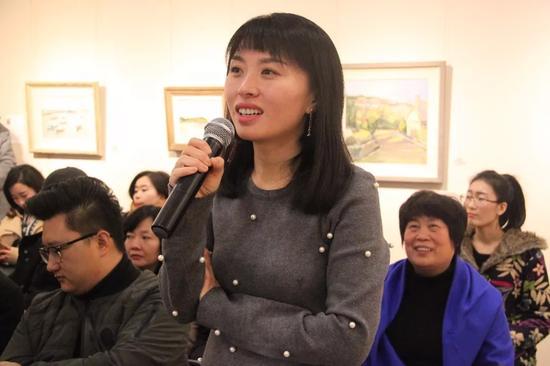 参展学员代表陈丽雪女士讲述写生创作感言