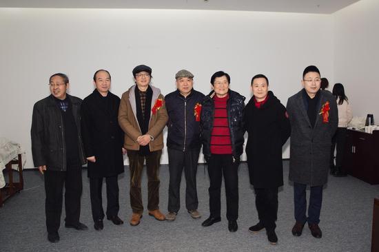 参加首届江苏艺术双年展开幕式部分嘉宾和艺术家