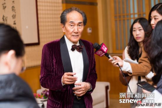 刘宇一教授接受记者采访