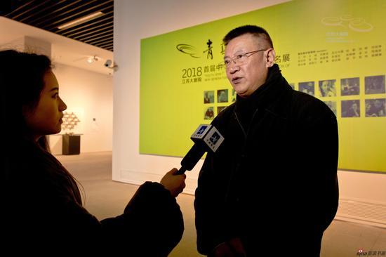 中国国家画院版画院副院长、中国美协版画艺委会副主任 代大权接受媒体采访