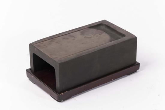 长方形抄手端砚(明)15.9x9.8x4.5cm