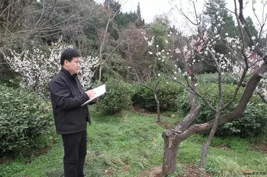 江苏省中国画学会副会长兼秘书长 翟优写生采风