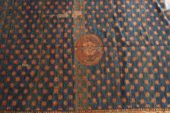 蓝地群星捧月地毯