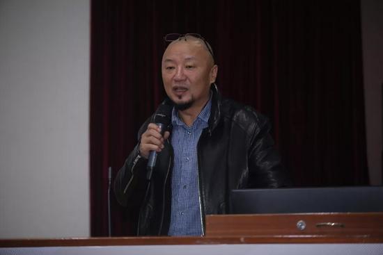 清华大学美术学院雕塑系主任董书兵作主题发言