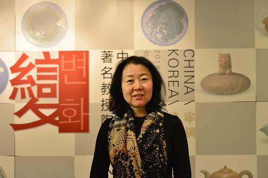 北京合璧兴陶瓷艺术馆总经理翁利在开幕式讲话