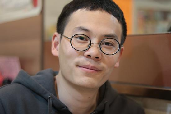艺术家钟小明