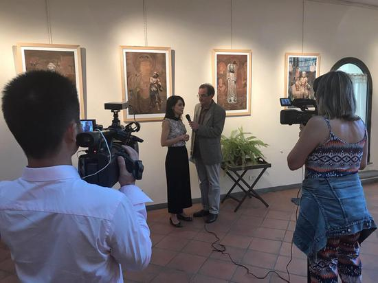意大利评论家Daniela在接受意大利媒体采访