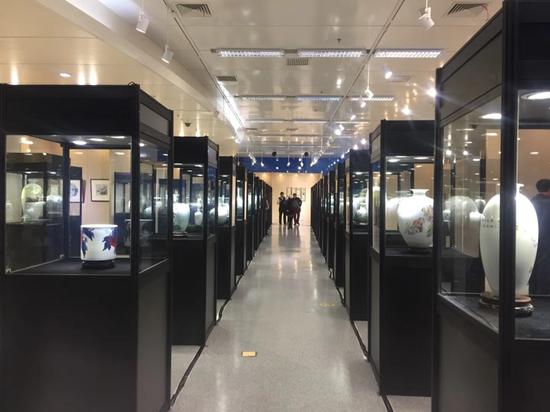 风华镇茂:2017中国中青年艺术陶瓷展水立方开幕