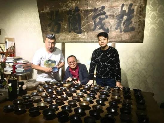 成都石刻艺术博物馆馆长朱成老师到觐见古陶瓷艺术空间交流