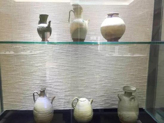 唐代邛窑酒具