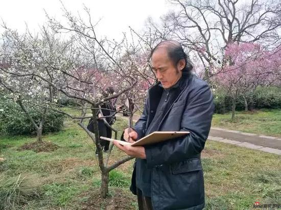 江苏省中国画学会副会长 张兴来写生采风