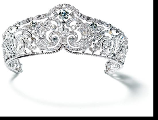 卡地亚卷轴式冠冕,1910年,卡地亚巴黎,铂金、一颗枕形钻石,圆形旧式切割钻石,种子式镶嵌