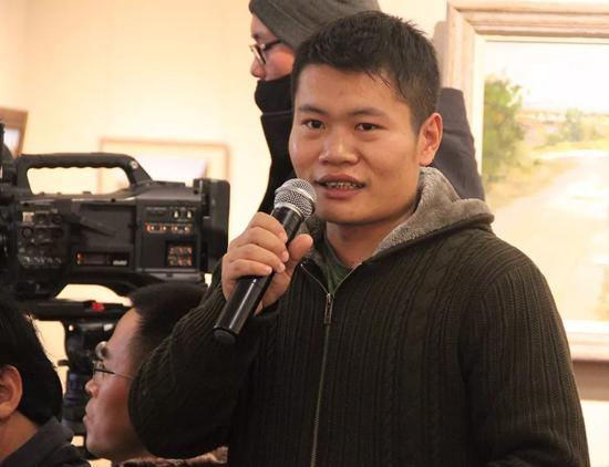 参展学员代表侯智先生讲述写生创作感言