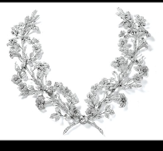 卡地亚百合三角胸衣胸针,1906年,卡地亚巴黎特别定制,铂金、圆形旧式切割和玫瑰式切割钻石,种子式镶嵌