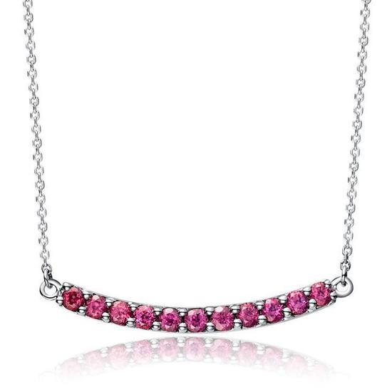 排镶的玫红色石榴石项链,弧形的设计简约大方。