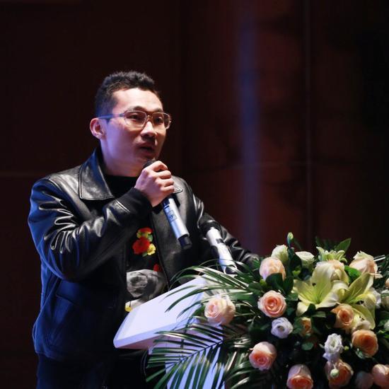 段君 批评家、策展人,北京理工大学副教授