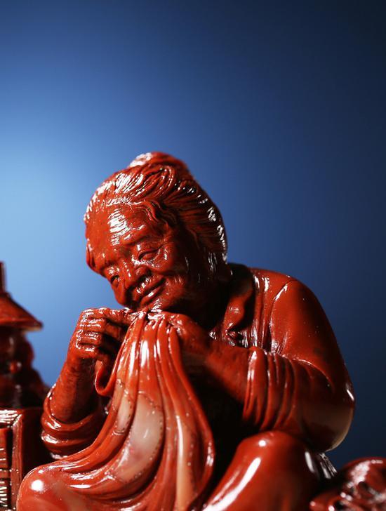 林国华 寿山石老母亲摆件19.2×5×10.8cm 1049g