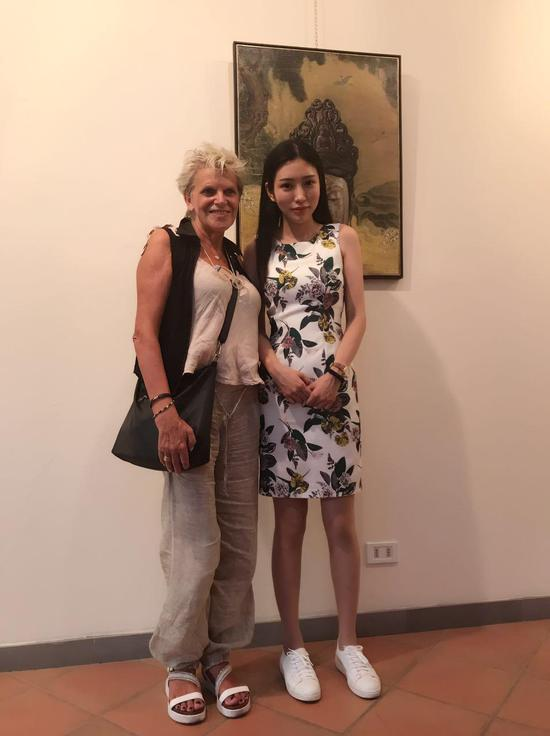 青年艺术家米巧铭与意大利策展人 Rosanna