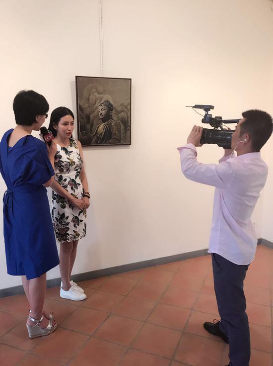 青年艺术家米巧铭接受欧洲华语媒体采访