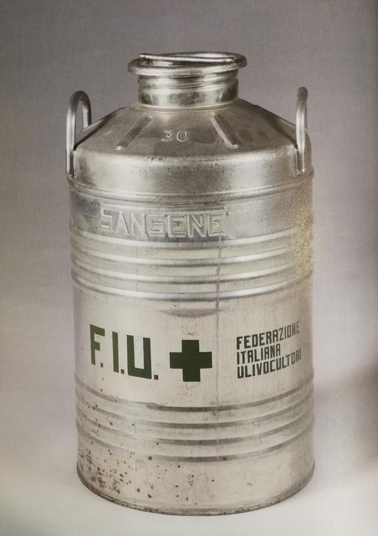 博伊斯《FIU油罐》