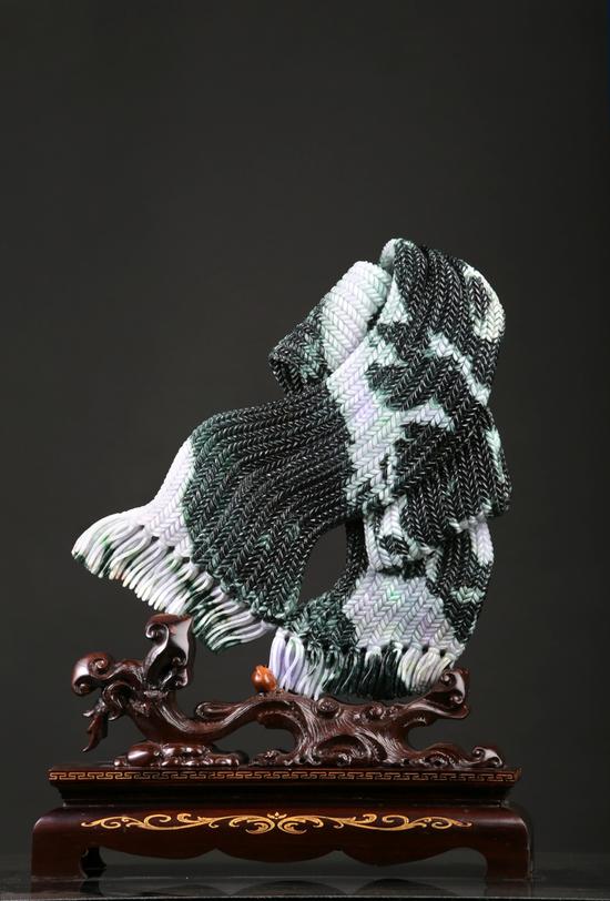 方卡东玉雕作品《情暖人间》
