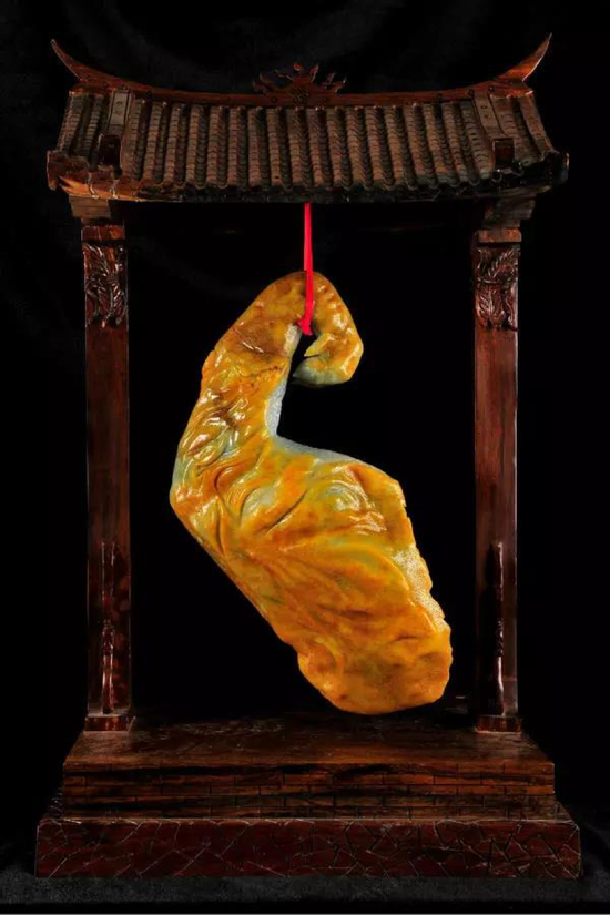 方卡东玉雕作品《姻缘天成》