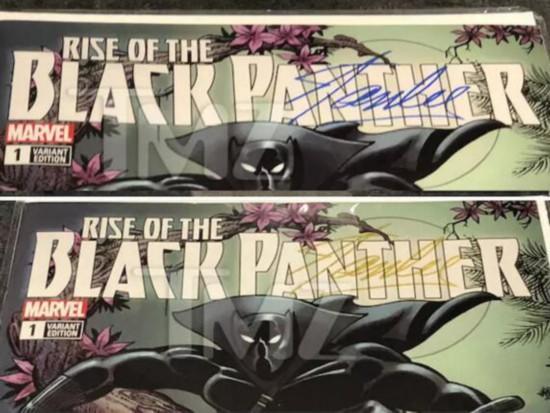 带有 Stan Lee 签名的蓝、金限量版黑豹漫画。图片来源:TMZ
